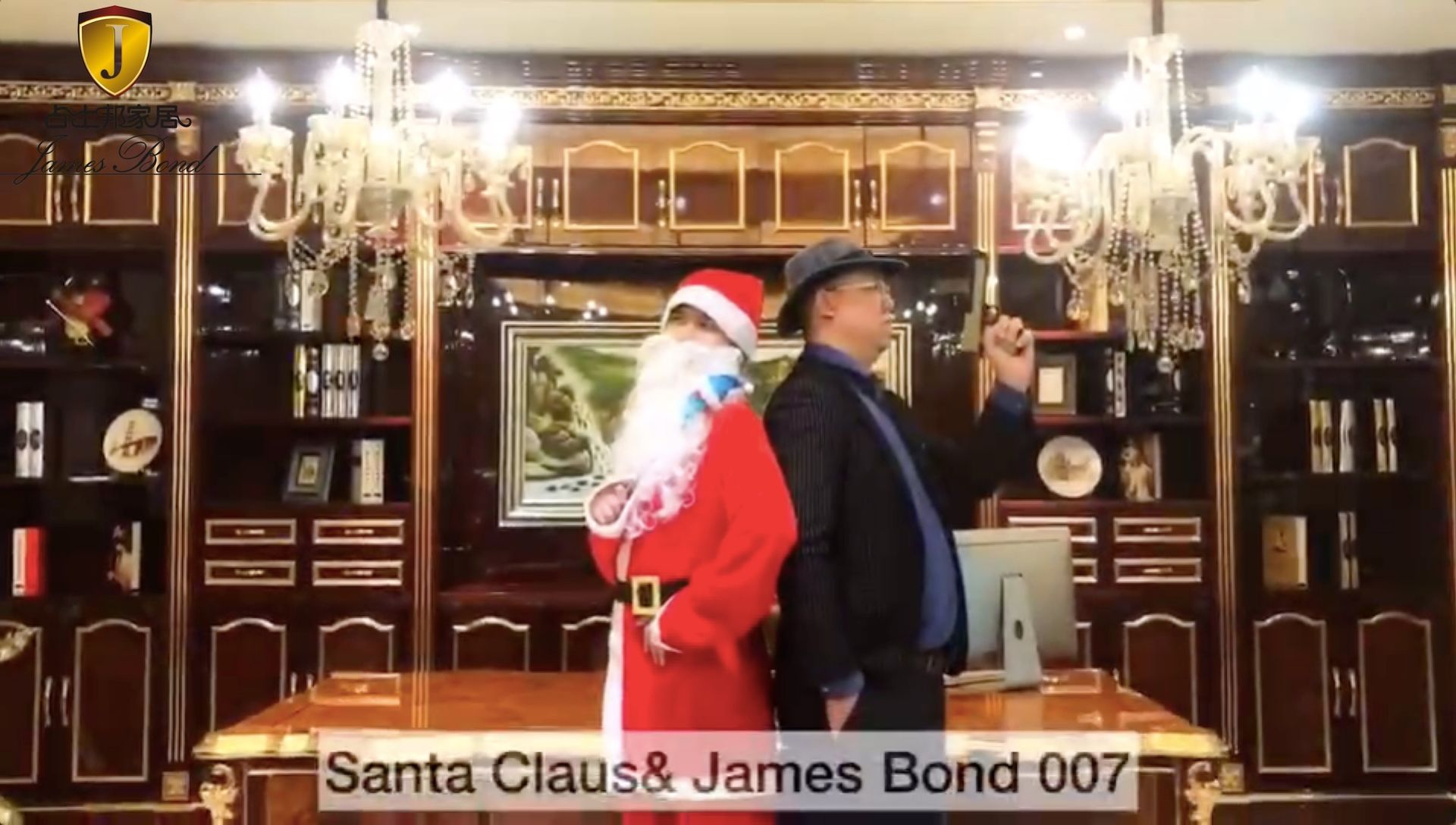 Santa vs James Bond 007